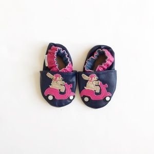 Robeez dog scooter soft sole shoes EUC size 0-6m/2